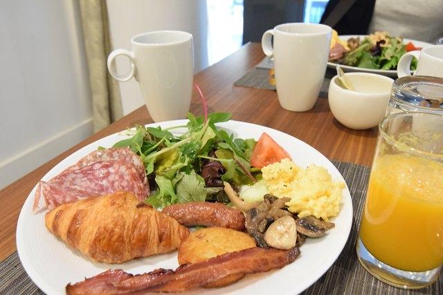 ヒルトン パリ オペラ 朝食