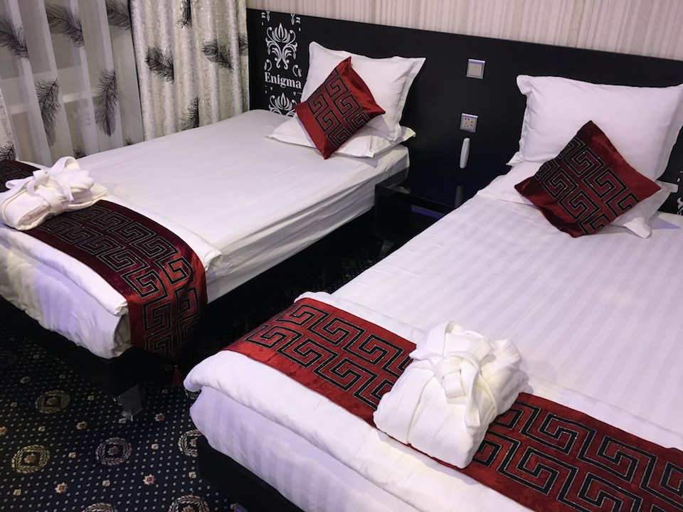 ホテル エニグマ